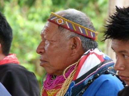 Mauricio Criollo at a village meeting.